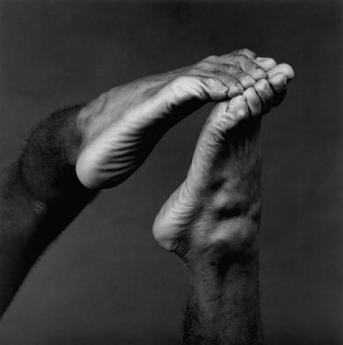 895_Feet_1982_web0