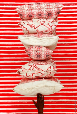 39_no_mad_brand_india_all_red_cushions_print