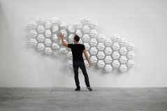 Hexi-Responsive-Wall-by-Thibaut-Sld-9