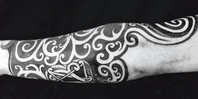teaser_ko_25_tattoos_top_1208141638_id_599278