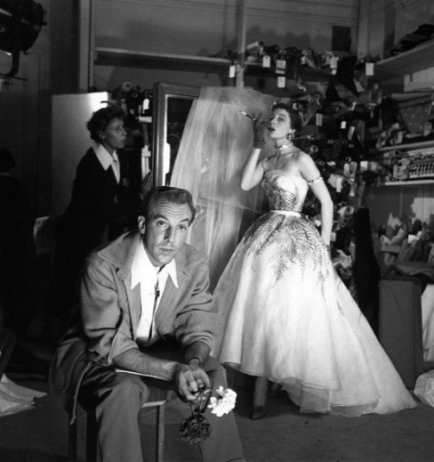 jacques-fath-in-studio-with-top-model-bettina_-photo-louis-dahl-wolfe