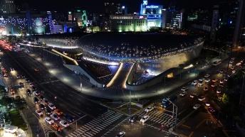 dongdaemun_design_plaza_ddp_at_night_seoul