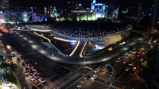 dongdaemun_design_plaza_ddp_at_night_seoul