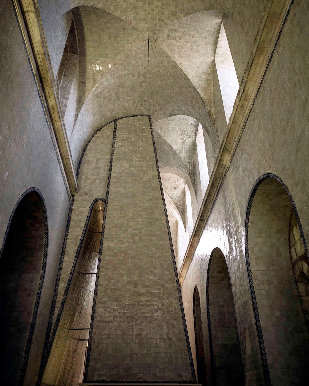 Interieur, monastère d'Alcobaca, gildalliere, 2007