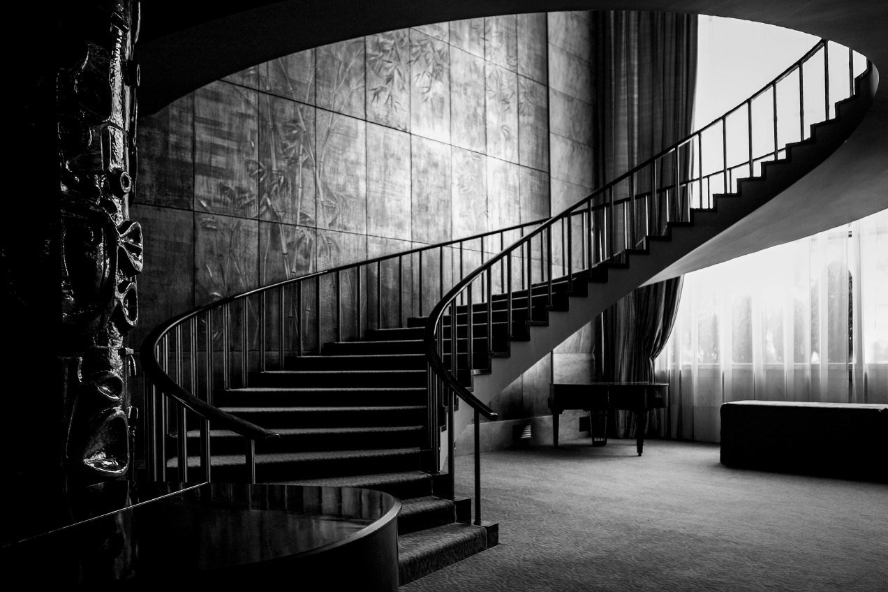 Le grand escalier du Four Seasons Hotel Ritz, Lisbonne, gilles Dallière, 2007