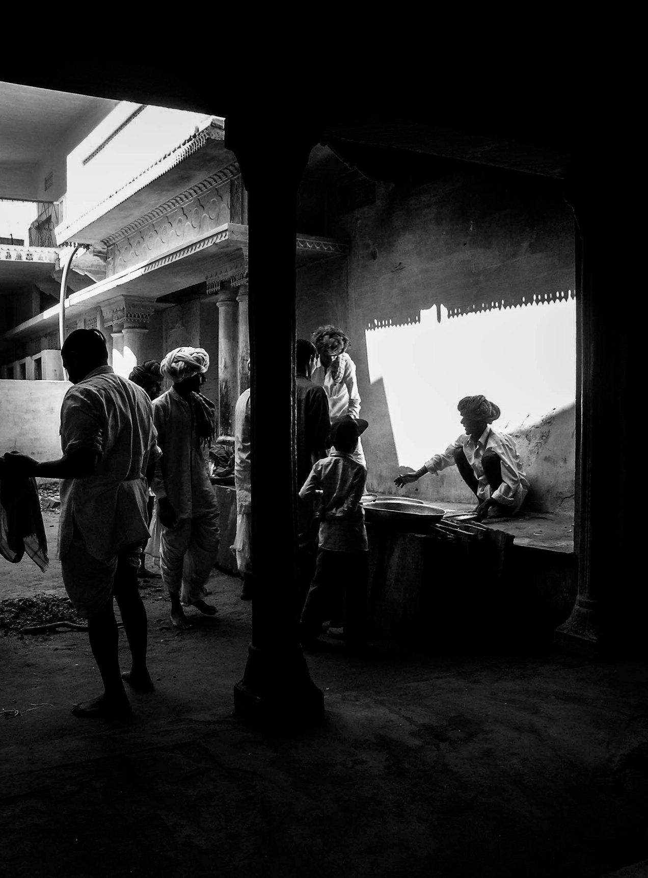 Pushkar, le marché, Inde, gildalliere, 2004
