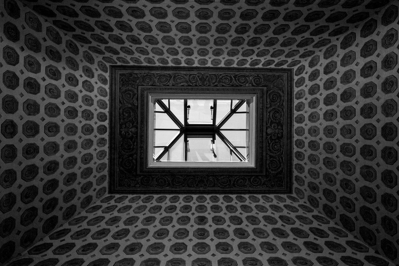 Plafond de l'escalier de l'hôtel de la Monnaie, gildalliere, Paris, 2019