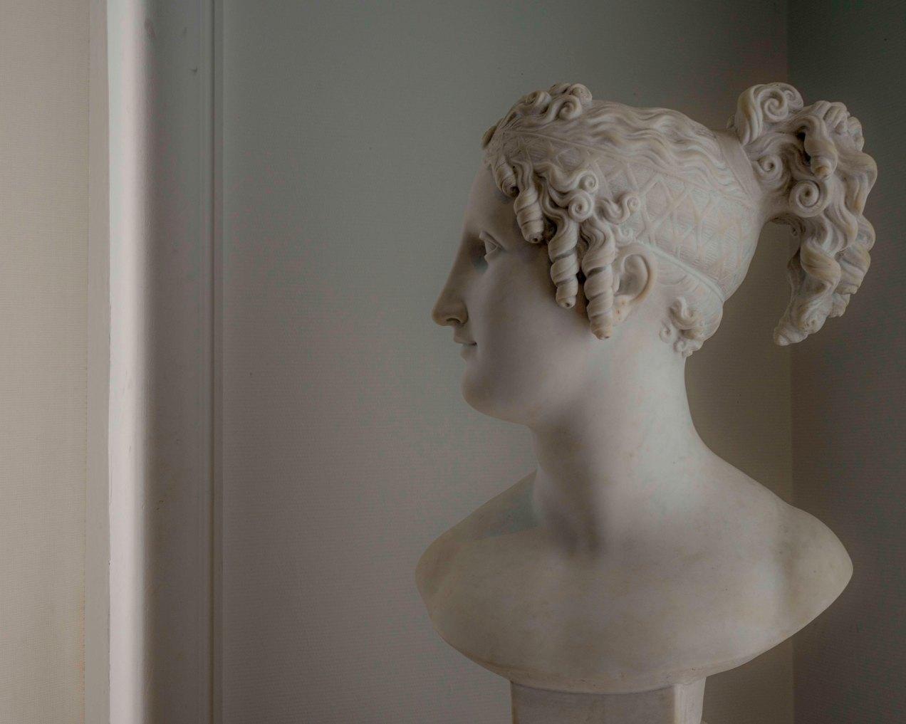 Pauline de profil, Antonio Canova, palais Masséna, gildalliere, Nice, 2019