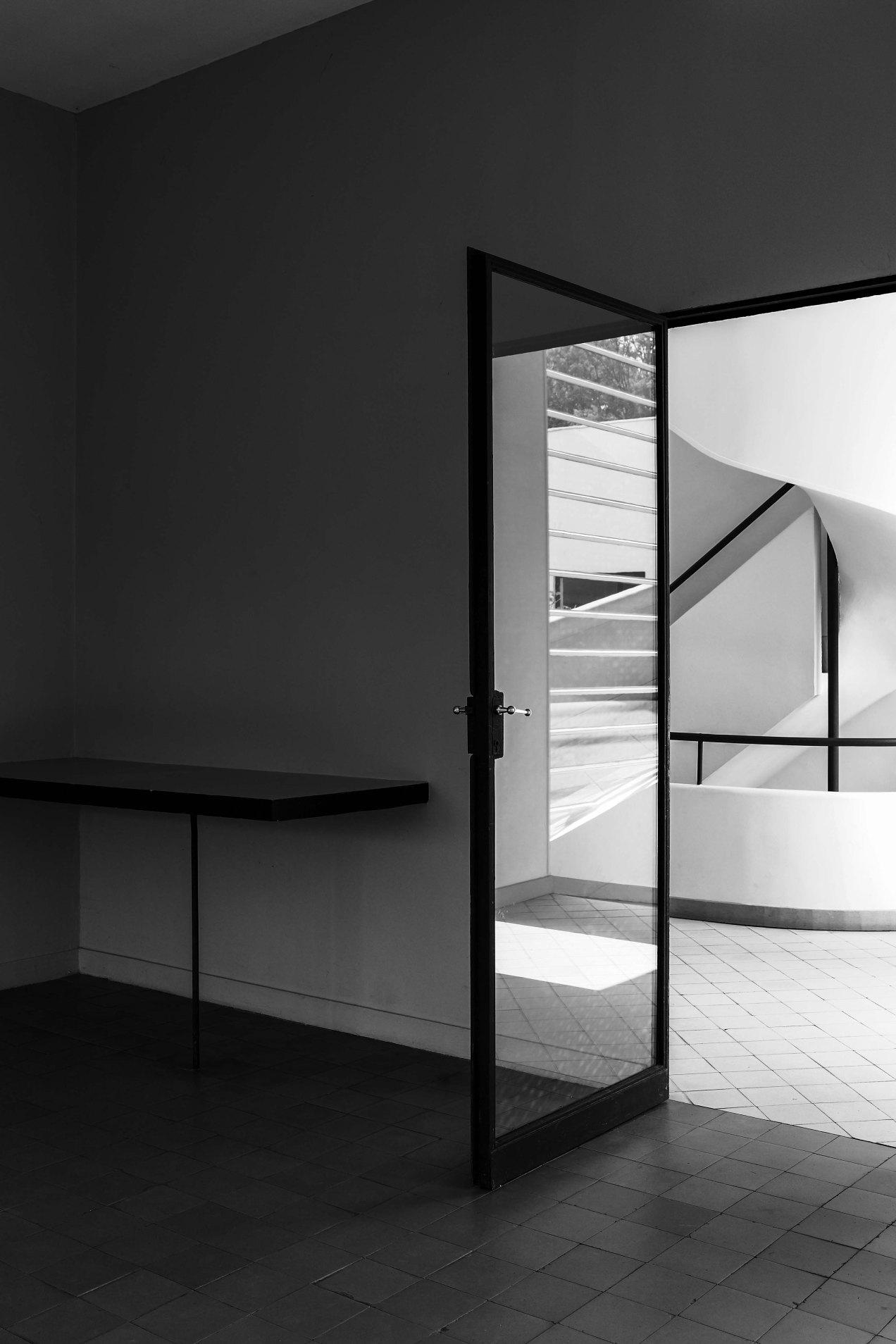 Escalier, Le Corbusier, Villa Savoye, gildalliere, 2007
